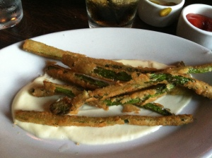 fried asparagus with aioli