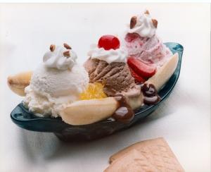 Banana-Split-dessert-17650070-1500-1222